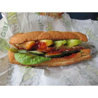 SUBWAY CHICKEN AND BACON BBQ MELT