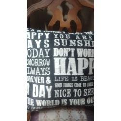 HomeTrend Cushions
