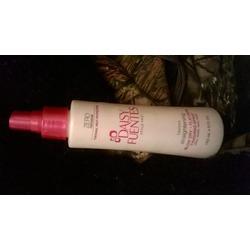 Daisy Fuentes style pro flawless finishing spray