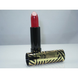 Urban Decay Gwen Stefani Lipstick in Wonderland