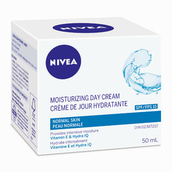NIVEA Moisturizing Day Cream SPF 15