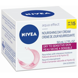 NIVEA Nourishing Day Cream SPF 15