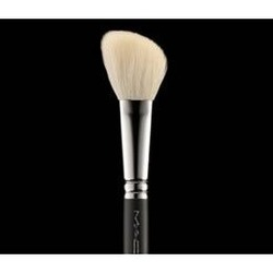 MAC Cosmetics 168 Large Angled Contour Brush