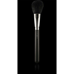 MAC Cosmetics 150 Large Powder Brush