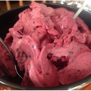 Yonanas Frozen Healthy Dessert Maker - 100% Fruit Soft-Serve Maker