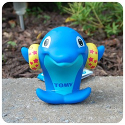 Tomy Dolphin Whisle Bath Toy