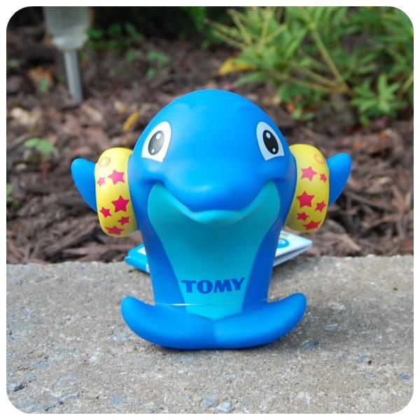 Bath Toy Buddy Dophin: Tomy Dolphin Whisle Bath Toy Reviews In Toys