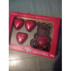 Carnaby Milk Chocolate Bear and Hearts