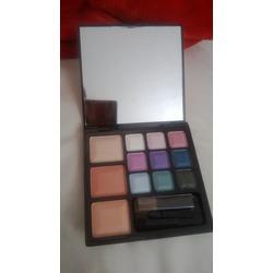 Marcelle make up palette