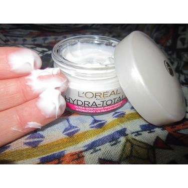L'Oreal Paris Hydra-Total 5 Ultra-Soothing Moisturizer