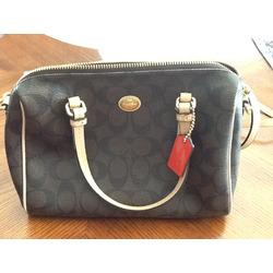 Coach crossover purse