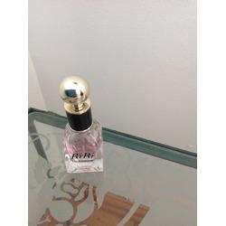 Rihanna RiRi Parfume