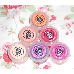 The Body Shop Born Lippy