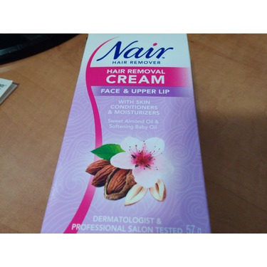 Nair moisturising hair removal cream for face and lip