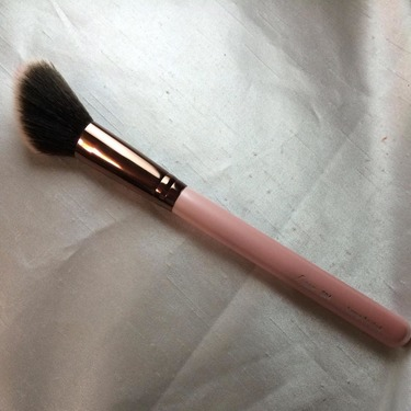 Luxie 504 Large Angled Blush Brush