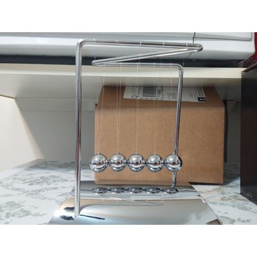 ActionFly Newtons Cradle