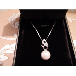 J.Rosee 925 Cubic-Zirconia Shell Pearl Pendant Necklace with Box Chain