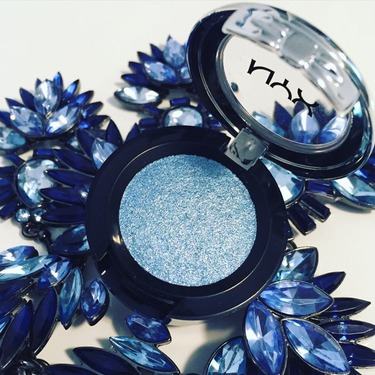 NYX Prismatic Shadow in Blue Jean