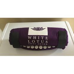White lotus acupressure mat