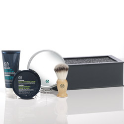 The Body Shop For Men Maca Root Skin Protection Kit