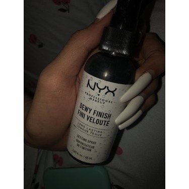 NYX Cosmetics Dewy Finish Setting Spray