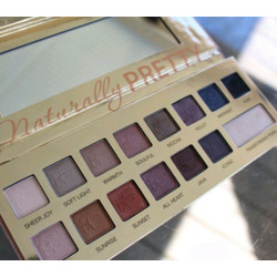 IT Cosmetic Naturally Pretty Eyeshadow Palette