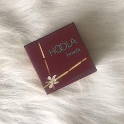 BeneFit Cosmetics HOOLA