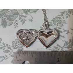 U7  Platinum Plated Photo Locket - Heart Rose Design