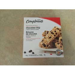 Compliments chocolate chip chewy granola bars