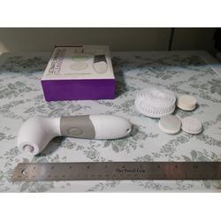 EchoAcc 4-in-1 Multi-functional Facial Pore Cleaner