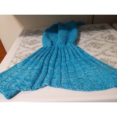 Es Unico Knitted Mermaid Tail Blanket for Adult and Kids