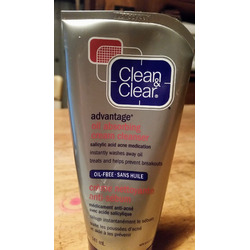 Clean & Clear Advantage Oil Absorbing Cream Cleanser