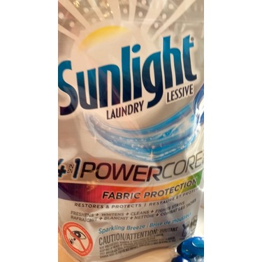 Sunlight 4-in-1 PowerCore Pacs Sparking Breeze Laundry Fabric Protection