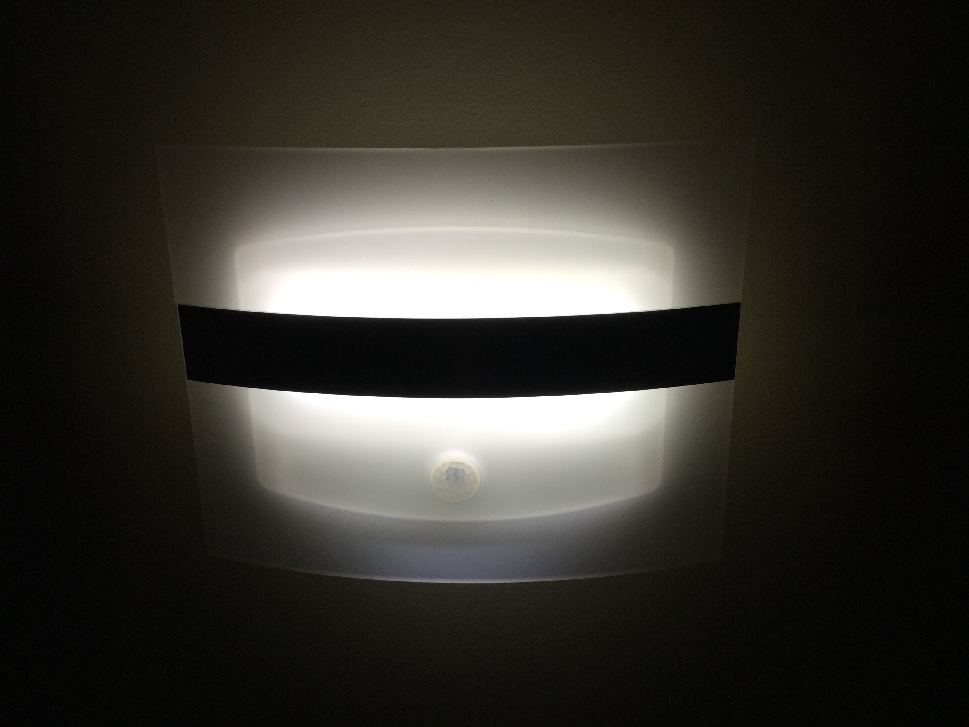 Wall Sconce Night Light : LED Night Lights, Stoog Rechargeable LED Wall Sconce Night Light reviews in Home Decor ...