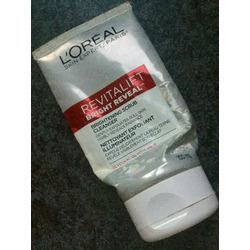 L'Oréal RevitaLift Bright Reveal Brightening Scrub Cleanser