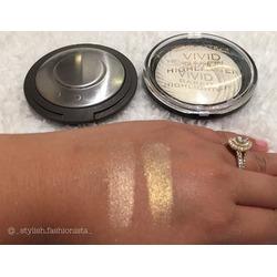 Makeup Revolution Vivid Baked Highlighter