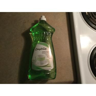 Compliments green apple dishwashing liquid