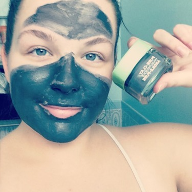 L'Oreal Paris Pure-Clay Energizing and Brightening Mask