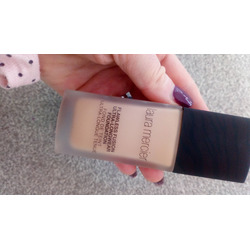 Foundation primer • hydrating  laura mercier