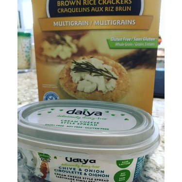 Daiya chive and onion cream cheese style spread