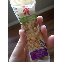 Kellogg's nourish with Quinoa granola bars