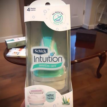 schick intuition advanced moisture razor