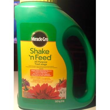 Miracle Gro Shake 'n Feed Plant Food