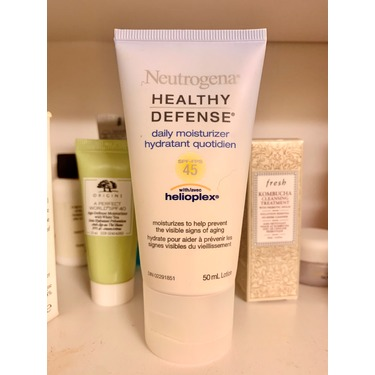 Neutrogena Healthy Defense Daily Moisturizer
