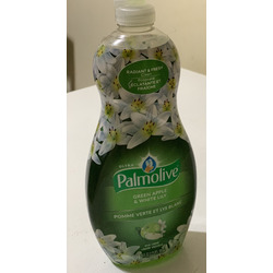 Palmolive Green Apple and White Lily dish detergent