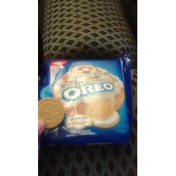 Nabisco Oreo Cinnamon Bun Sandwich Cookies