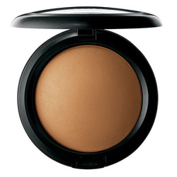 MAC Cosmetics Mineralize Skin Finish Natural in Dark