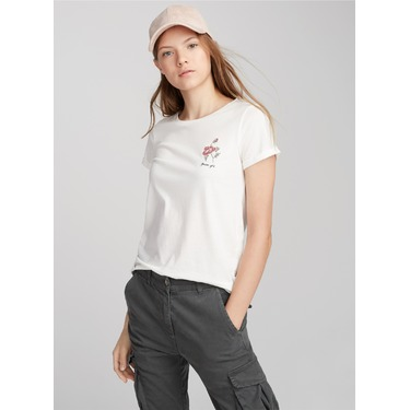 TWIK Accent embroidery tee