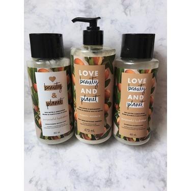 Love Beauty & Planet Shea Butter & Sandalwood Purposeful Hydration Shampoo