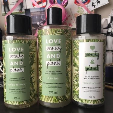 Love Beauty & Planet Tea Tree Oil & Vetiver Daily Detox Body Wash
